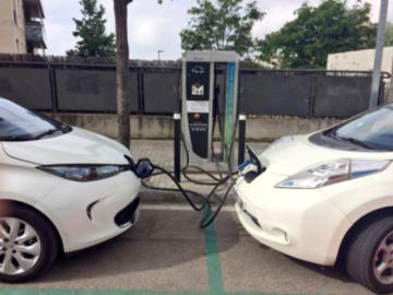 El director de la DGT asume que se equivocaron con el coche eléctrico?